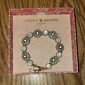 NIB Lucky Brand Mother Of Pearl Link Bracelet